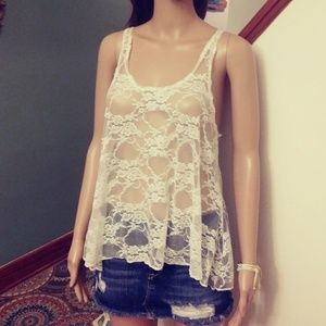 Off white. Lace top. By concert by Clare. Sz-M
